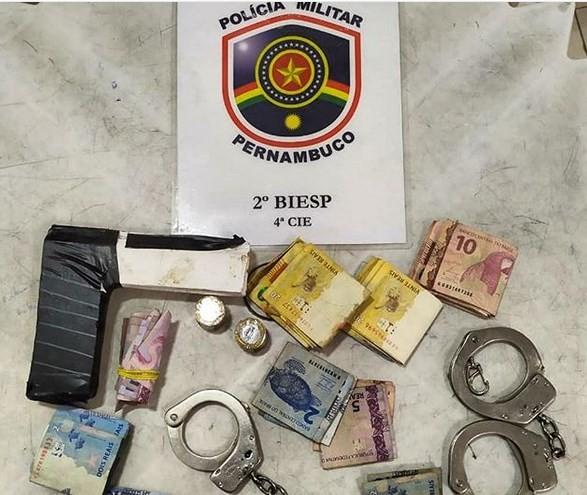 Homem é preso após assaltar farmácia no centro de Petrolina