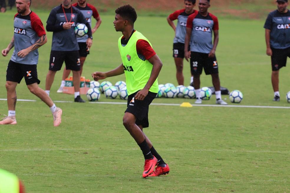 Hoffenheim vai ao Chile e encaminha compra de zagueiro do Vitória e da  seleção sub-20 0a45ca681e080