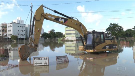 Obras que poderiam evitar enchentes estão atrasadas em Pernambuco