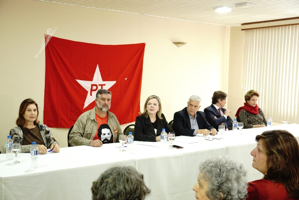 Executiva nacional do Partido dos Trabalhadores se reuniu em Curitiba, na manhã desta terça-feira (11) (Foto: Erick Gimenes/G1 PR)