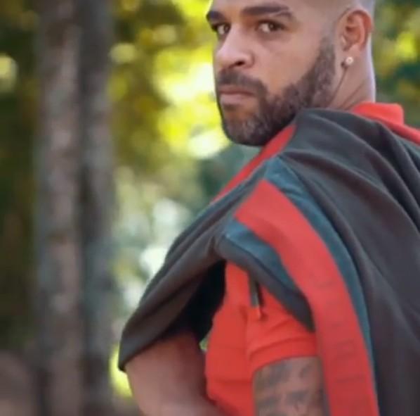 Adriano Imperador em campanha para marca de roupas masculinas (Foto: Reprodução: Instagram)