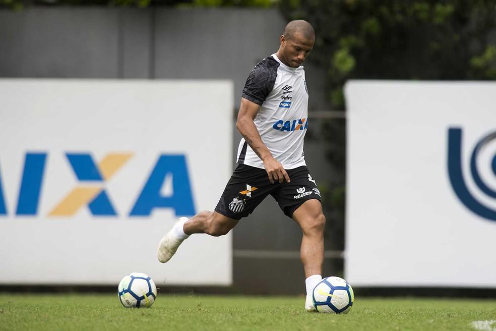Carlos Sánchez perderá três jogos pelo Santos no Brasileirão  — Foto: Ivan Storti/Santos FC