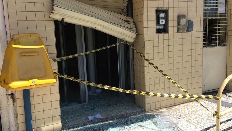 Agência dos Correios de Lagoa do Ouro foi explodida na madrugada (Foto: Diogo Franco/TV Asa Branca)