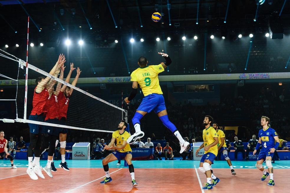 Leal - Brasil e Estados Unidos fazem a semifinal da Liga das Nações de Vôlei — Foto: FIVB
