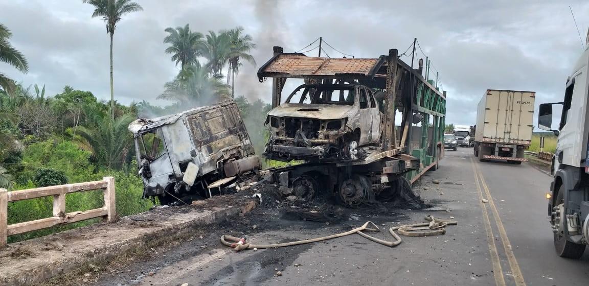 Incêndio em caminhão cegonha deixa uma pessoa morta no Maranhão