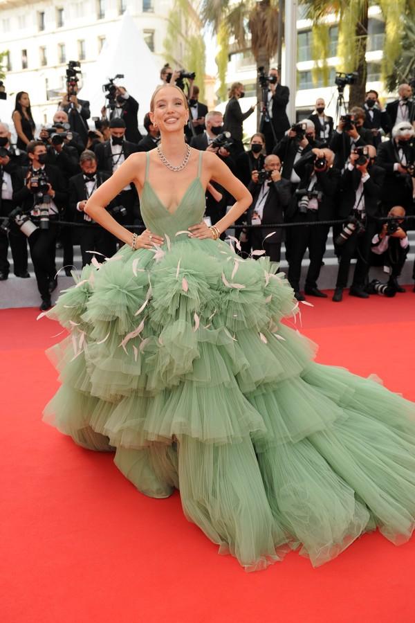 Leonie Hanne no Festival de Cannes 2021 (Foto: Getty Images)