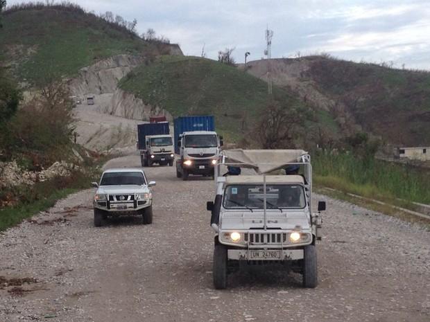 Comboios levam comida para desabrigados em vilarejos costeiros; viagem pode levar 16 horas (Foto: BBC/Minustah)