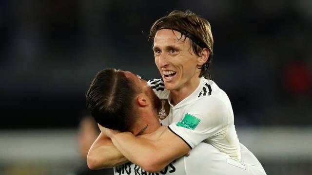 Modric comemora o gol marcado na final do Mundial com Sergio Ramos