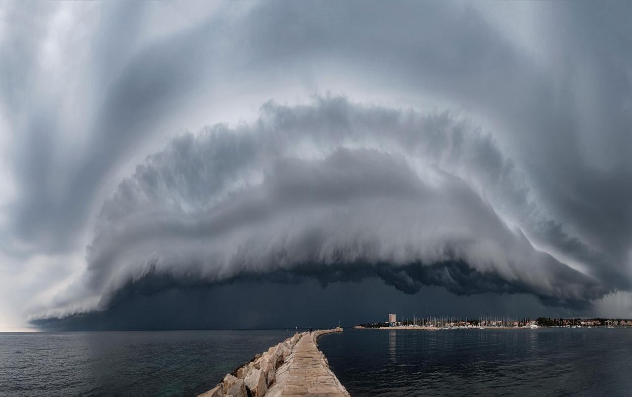 Nuvem em forma de