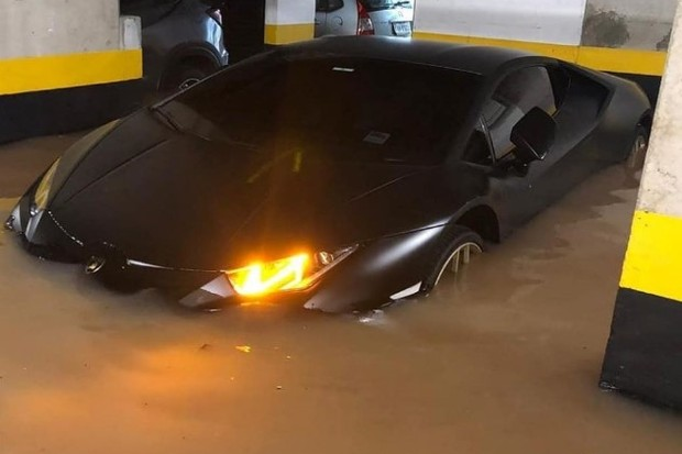 Lamborghini Huracan Alagado (Foto: Reprodução)