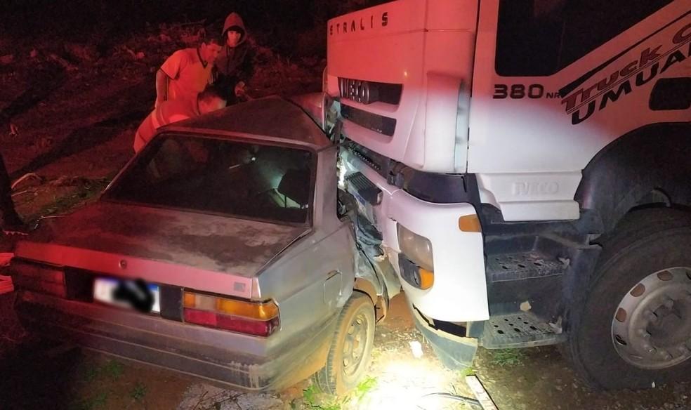 Criança fica gravemente ferida em acidente na BR-376, em Mauá da Serra — Foto: Divulgação/PRF