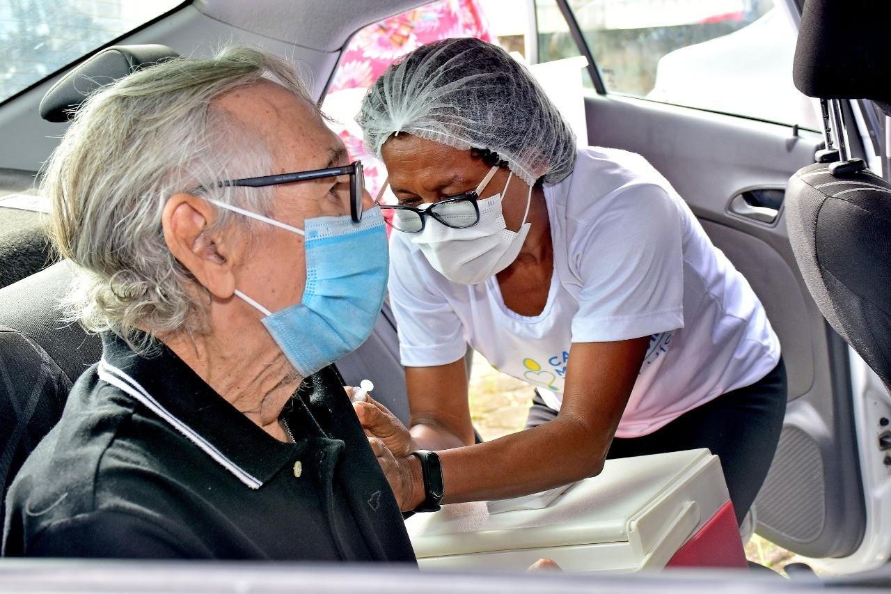 Prefeitura divulga vacinação contra a Covid-19 para idosos de 64 e 63 anos em São Luís; veja o calendário