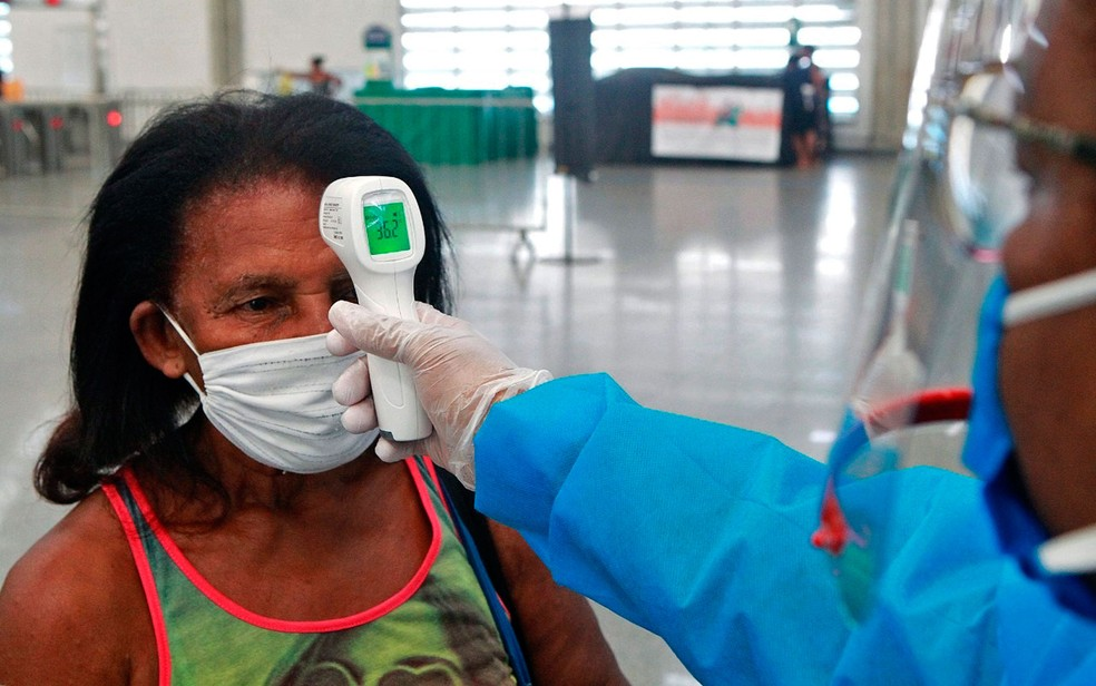 Monitoramento da temperatura de pacientes no metrô de Salvador — Foto: Mateus Pereira/GOVBA