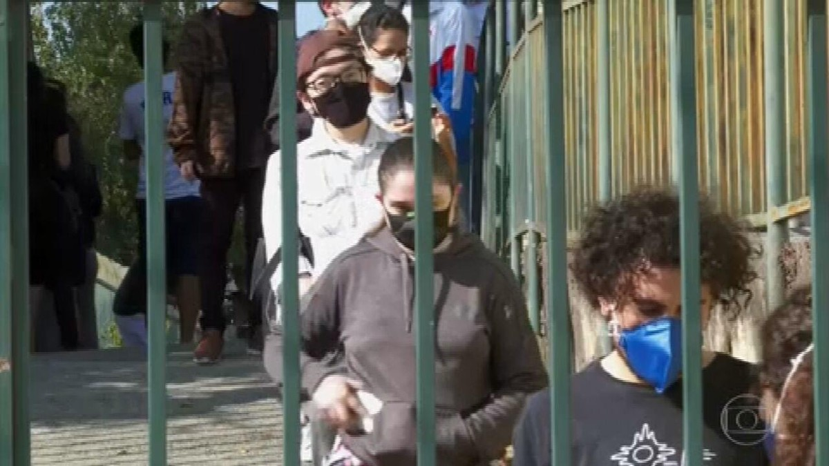Xepa da vacina tem longas filas em São Paulo
