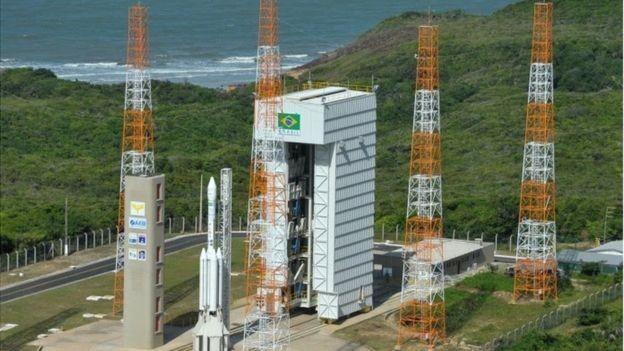Se acordo com os EUA prosperar, acesso a determinadas áreas do centro de lançamento será restrito (Foto: Agência Espacial Brasileira via BBC)
