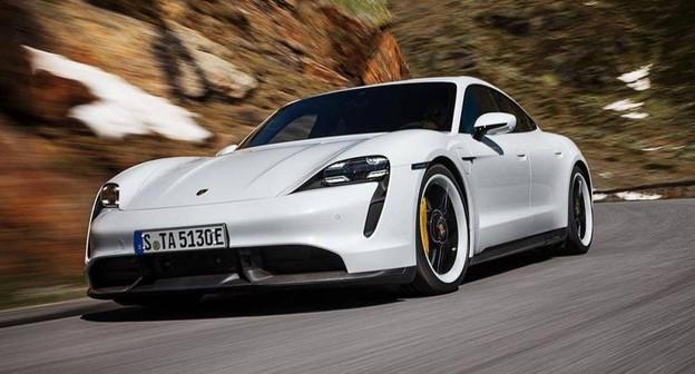 Veja fotos do Porsche elétrico de R$ 850 mil comprado por Bill Gates