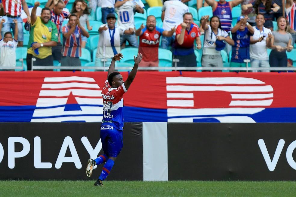 Mendoza marcou dois gols no jogo (Foto: Felipe Oliveira/Divulgação/EC Bahia)