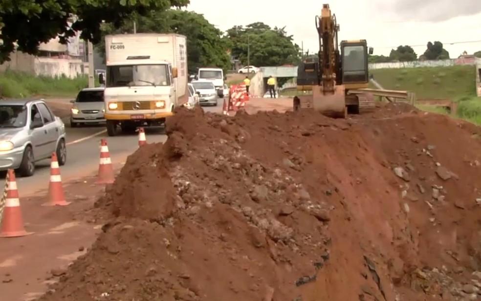 Obras mais complexas na Marginal Botafogo devem durar até 5 meses  (Foto: TV Anhanguera/ Reprodução)