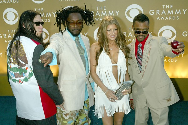 Black Eyed Peas na cerimônia do Grammy em 2004 (Foto: Getty Images)