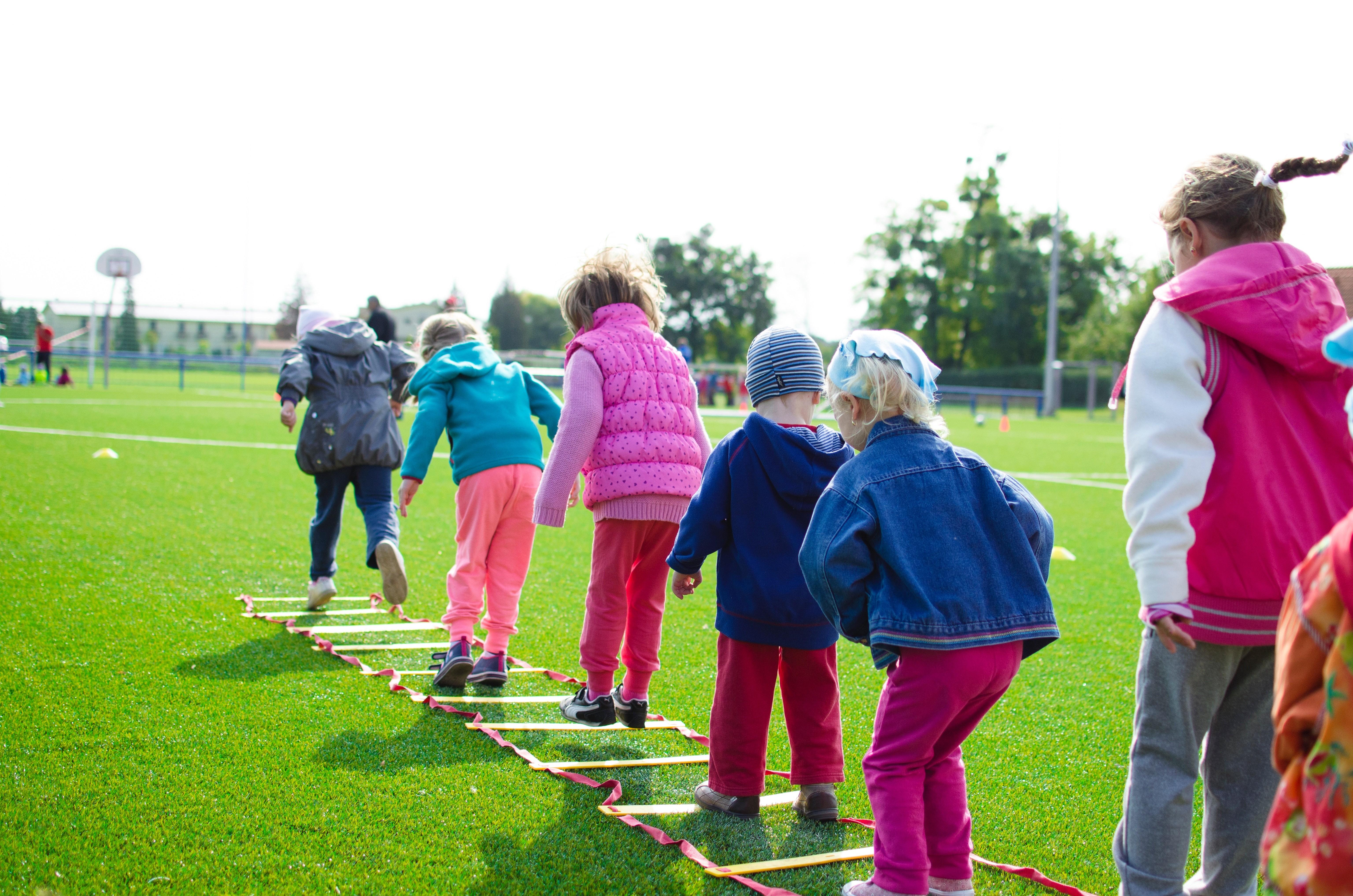 Escola na Islândia ensina criança a crescer sem estereótipos de gênero - Noticias