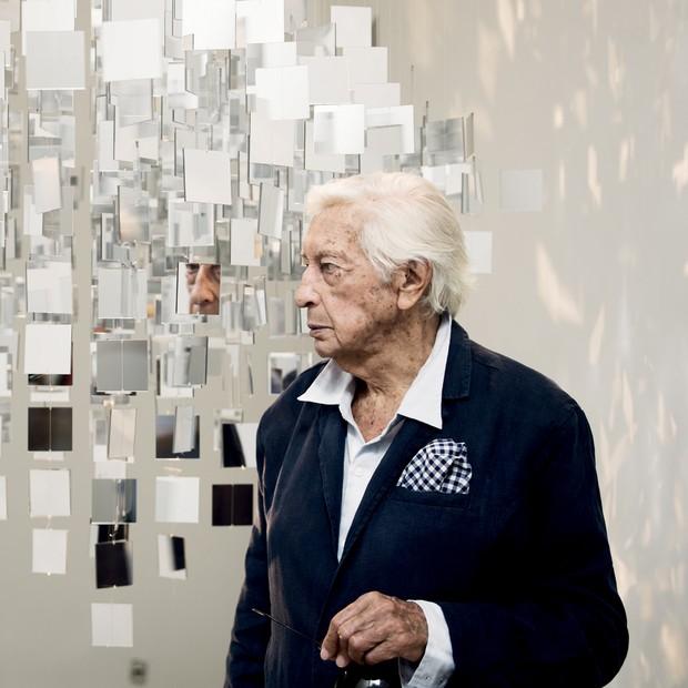 Aos 90 anos, Julio Le Parc fala da agenda intensa de exposições e de como desafia o tempo