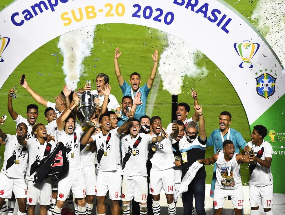 Do time titular campeão da Copa do Brasil sub-20 em janeiro, sete foram incorporados ao profissional e três são titulares de Marcelo Cabo — Foto: André Durão