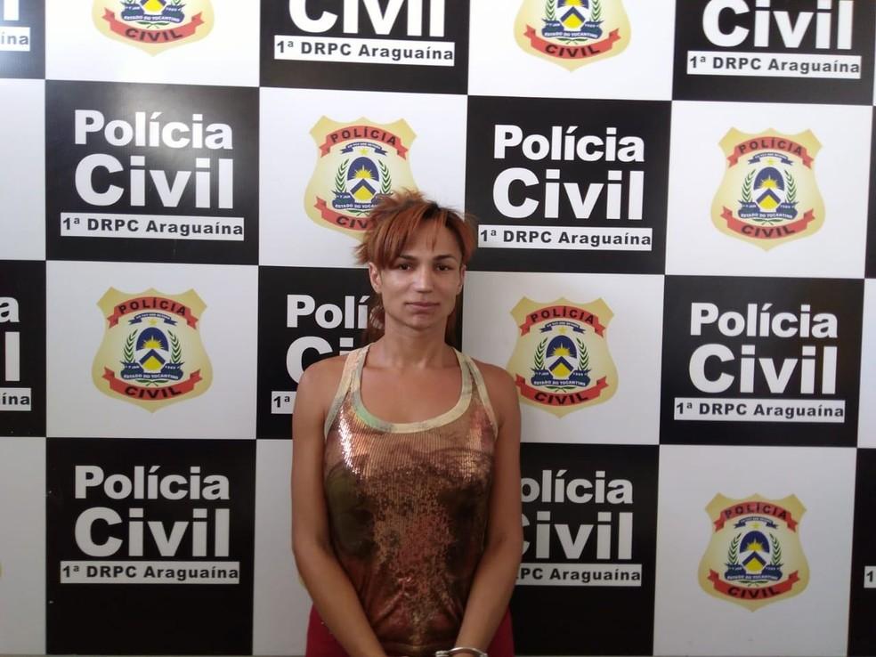 Travesti está presa suspeita de assassinato (Foto: Polícia Civil/Divulgação)