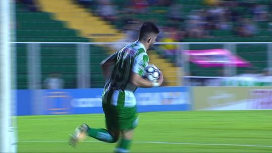 GOL DO JUVENTUDE! Guilherme Queiróz chuta com precisão e marca aos 32' do 2T