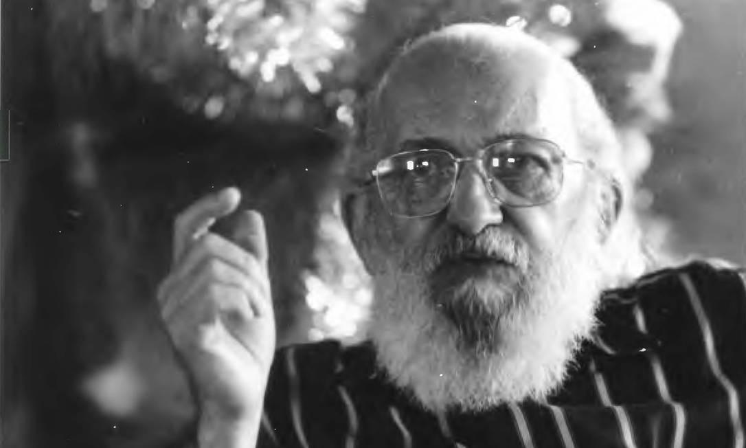 Paulo Freire durante entrevista em 1988