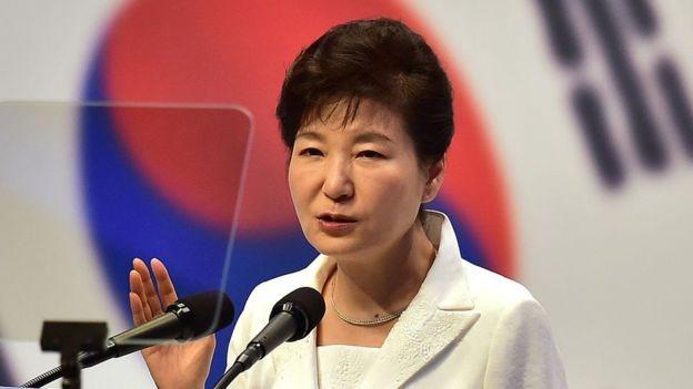 Park Geun-hye, presidente sul-coreana entre 2013 e 2017, cumpre uma pena de 24 anos de prisão por corrupção (Foto: GETTY IMAGES via BBC)