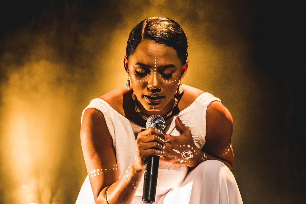 Jéssica Ellen comenta show com Elza Soares no Rock in Rio: 'Não vou acreditar até chegar no palco'