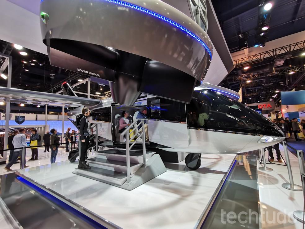Bell Nexus 4EX pode atingir velocidade de até 250km/h e é capaz de carregar até cinco passageiros — Foto: Aline Batista/TechTudo