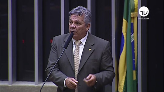 Deputado Alberto Fraga (DEM) chama governador eleito do DF, Ibaneis (MDB), de 'jumento'