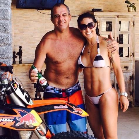 Chumbão e Michele Cabral (Foto: Reprodução/Facebook)