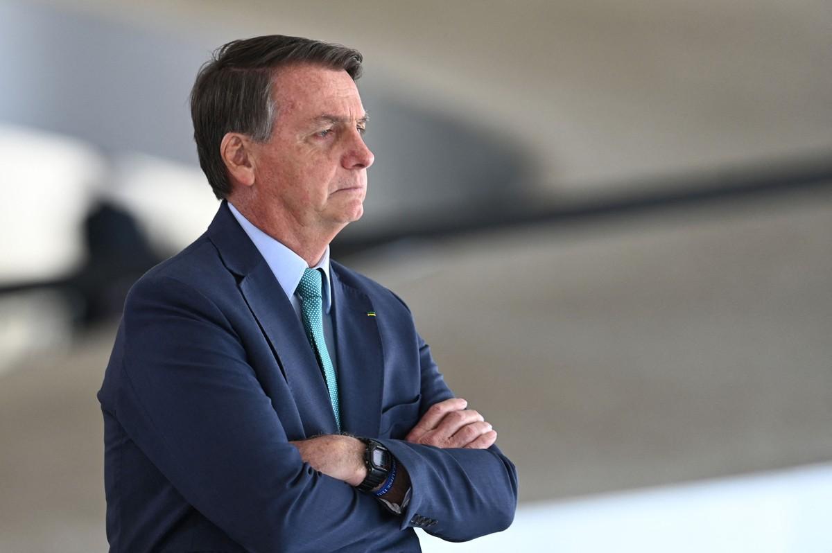 Após ser incluído no inquérito das fake news, Bolsonaro ameaça agir fora da Constituição
