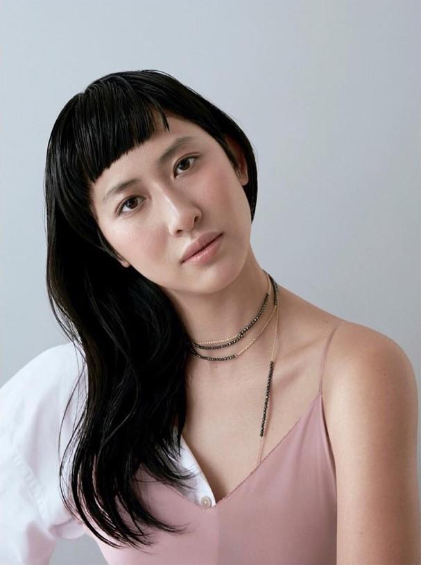 Tathiana Yumi Kurita na Glamour Brasil (Foto: Caroline Curti)