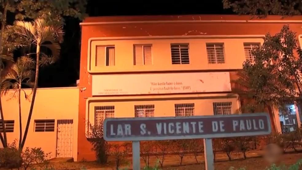 Incêndio matou idoso em asilo em Rio Preto — Foto: Reprodução/TV TEM