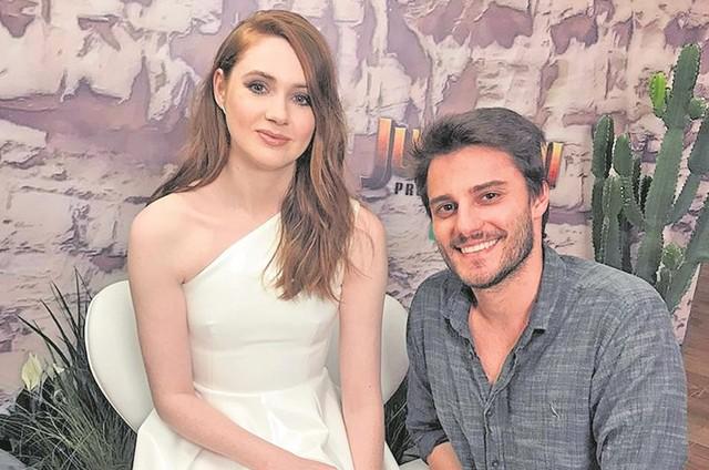Hugo Bonemer e a escocesa Karen Gillan  (Foto: Divulgação)