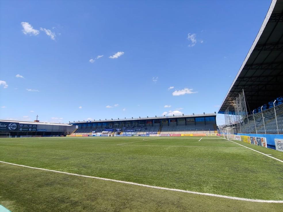 Estádio Francisco Novelletto Neto, do São José-RS, em Porto Alegre — Foto: Gustavo Oliveira/Londrina EC