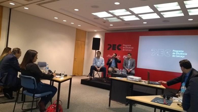Especialistas discutem o Programa de Eficiência da Carcaça (Foto: Sebastião Nascimento/Ed. Globo)