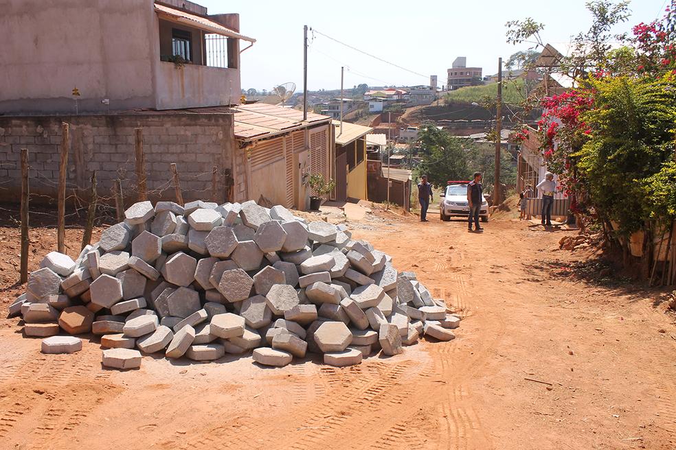 -  Prefeitura vai investir recursos em asfaltamento e calçamento de vias.  Foto: Prefeitura/Divulgação