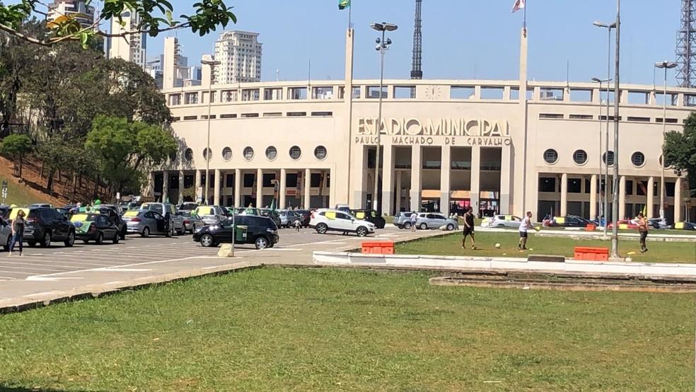 Manifestação em defesa da Lava Jato em frente ao Estádio Paulo Machado de Carvalho, o Pacaembu — Foto: Malu Mazza/TV Globo
