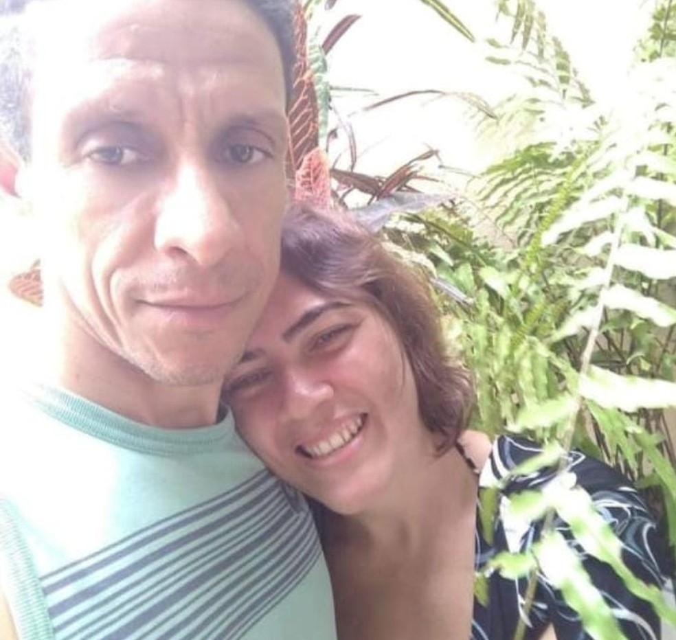 Flávio Sandro Olmo e a esposa Eusivania Marcelino de Souza — Foto: Reprodução/TV Gazeta
