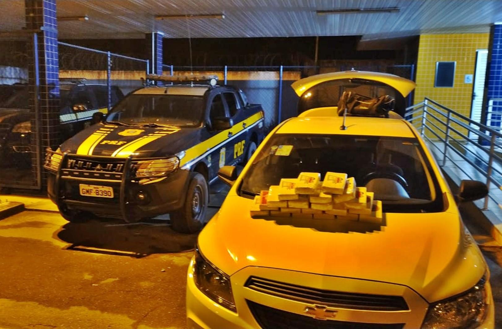PRF apreende cerca de 20kg de cocaína na BR-354, em Pouso Alto, MG