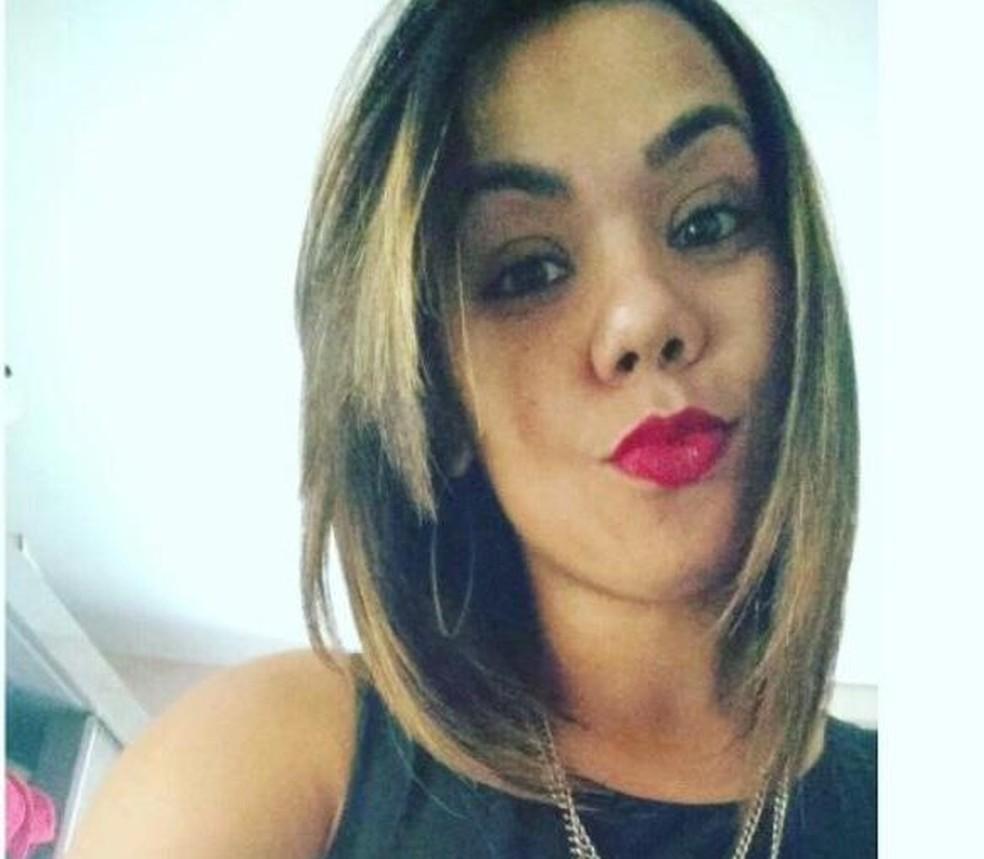 Karoline dos Santos seguia para a academia quando foi atacada — Foto: Reprodução