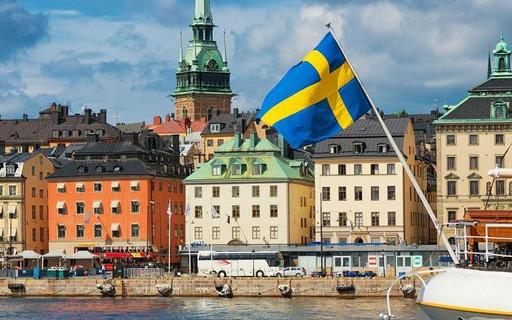 IRRF – Dividendos distribuídos por empresas nacionais sediadas no Brasil a sociedade da Suécia residente naquele país.