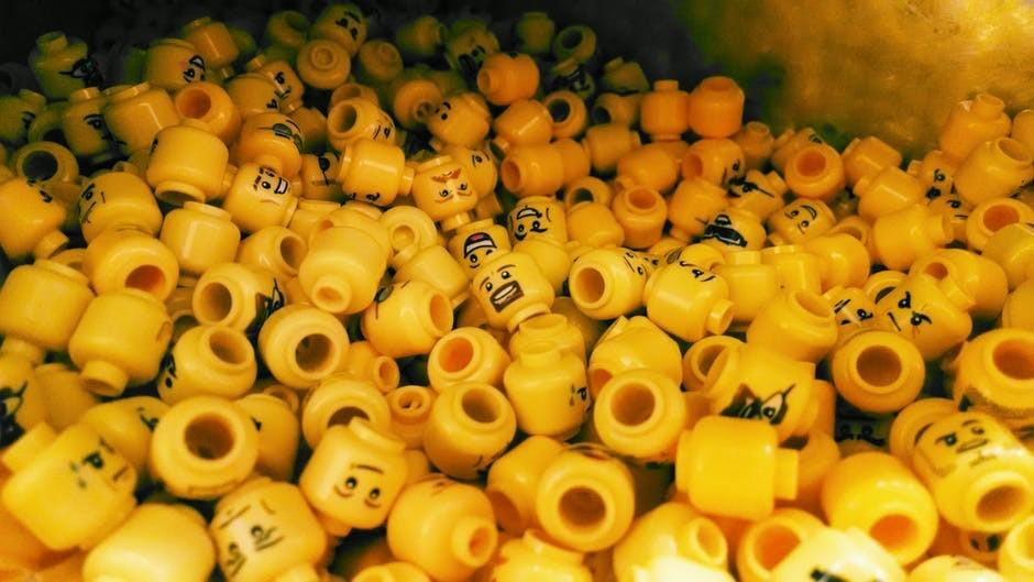 Cabeças de LEGO foram ingeridas para analisar sua passagem pelo sistema digestivo (Foto: Pexels/Creative Commons)