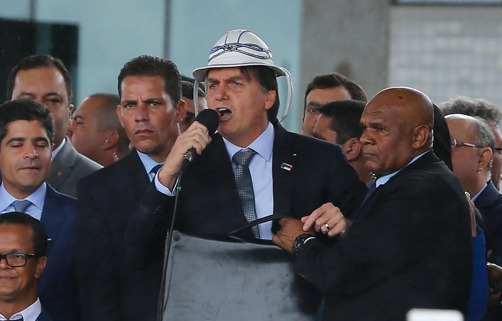 Bolsonaro diz amar o Nordeste e ter 'sangue de cabra da peste' durante inauguração em Vitória da Conquista (BA), nesta terça-feira (23). — Foto: ELIEZER OLIVEIRA/FUTURA PRESS/FUTURA PRESS/ESTADÃO CONTEÚDO
