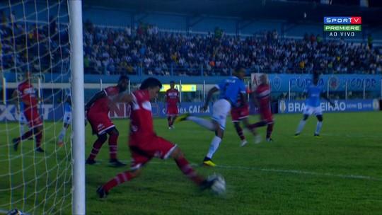 Lateral do CRB, Ratinho aposta em defesa sólida para segurar o melhor ataque da competição
