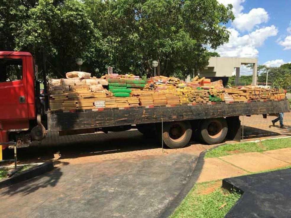 -  Carga de droga em caminhão apreendido pela PF e levado para Brasília  Foto: Polícia Federal/Divulgação